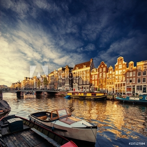 Picture of Amsterdam canal on the west.